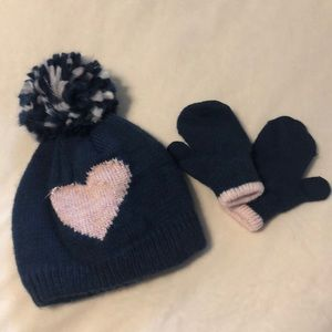 Carters infant hat and glove set